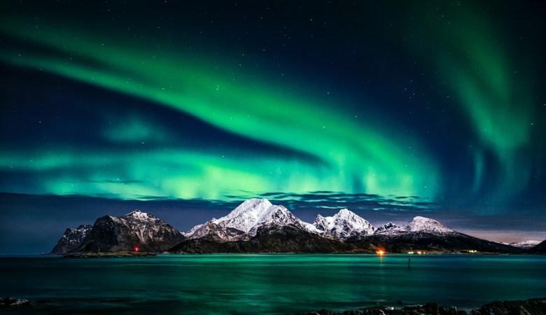 Aurora Borealis Explained - The northern lights phenomenon