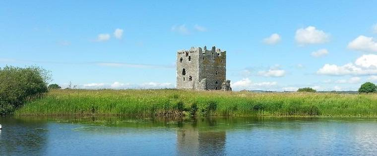 looking over threave castle