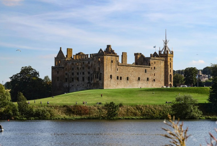 linlithgow palace great scottish castles