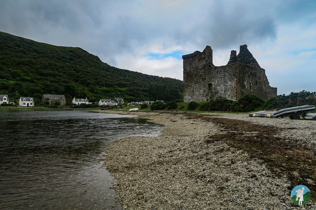 lochranza castle arran which scottish island