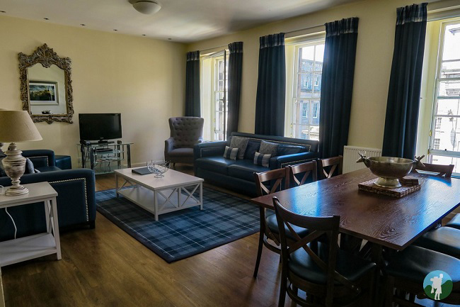 princes street suites edinburgh lounge