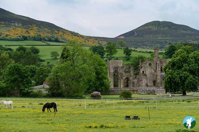 melrose eildon hills scottish borders history ruins