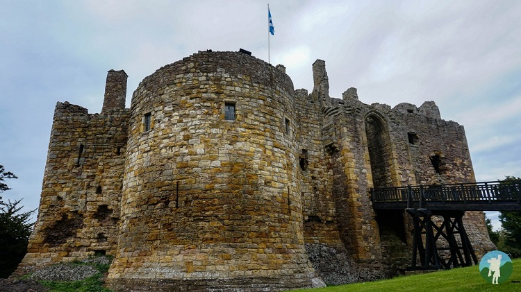 castles near edinburgh dirleton castle east lothian