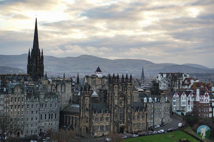 10 day scotland itinerary edinburgh cityscape