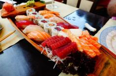 2.1440951206.the-meca-sushi-boat
