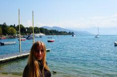 4.1441987980.lucy-at-lake-geneva-in-front-of-the-hotel
