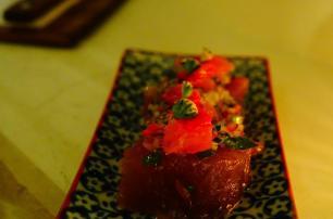 4.1442080404.tuna-sashimi-with-wierd-flower