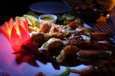 5.1457478064.bbq-tiger-prawns-garlic-butter-sauce