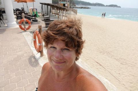 3.1461020532.on-the-beach-i