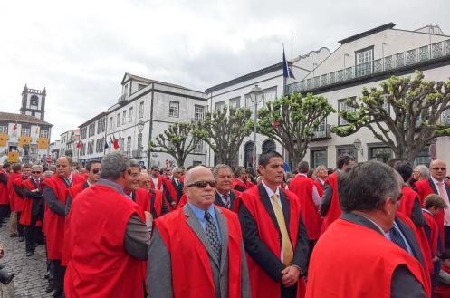 3.1462174945.procession