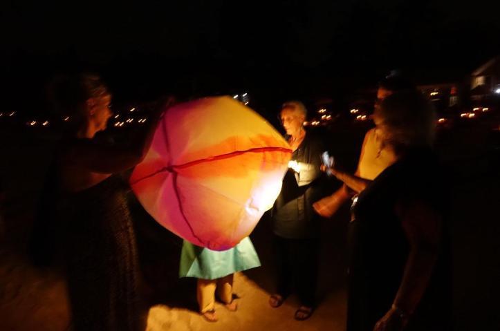 7.1486460923.lantern-filling