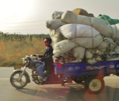 China, Suzhou, Tongli, road, transportation, hauling goods