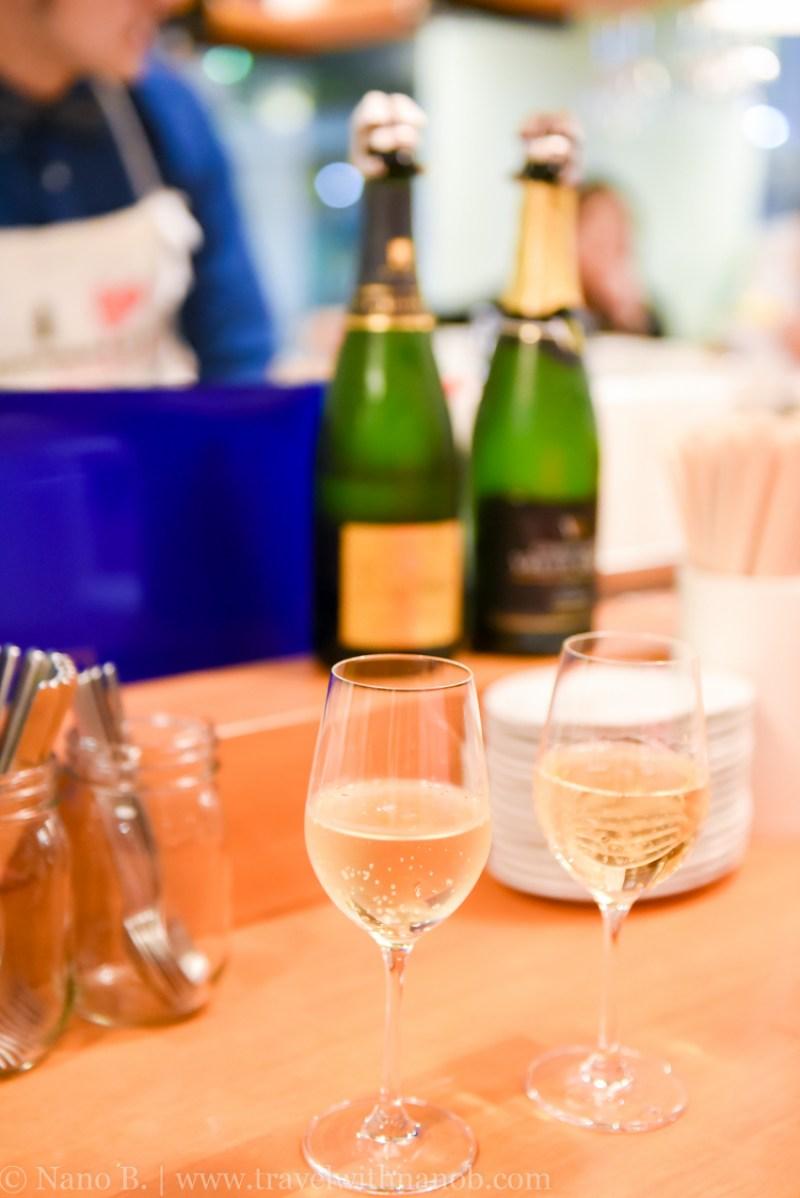 champaign-and-gyoza-bar-tokyo-1