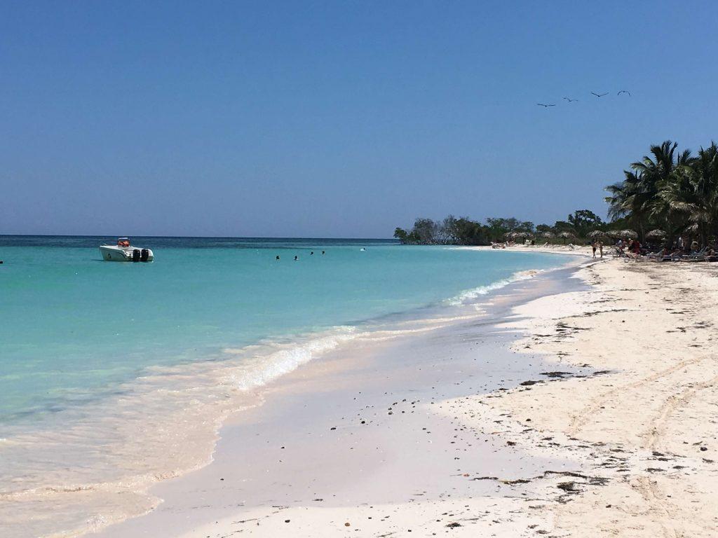 Cayo Jutia, beach Cuba near Viñales.