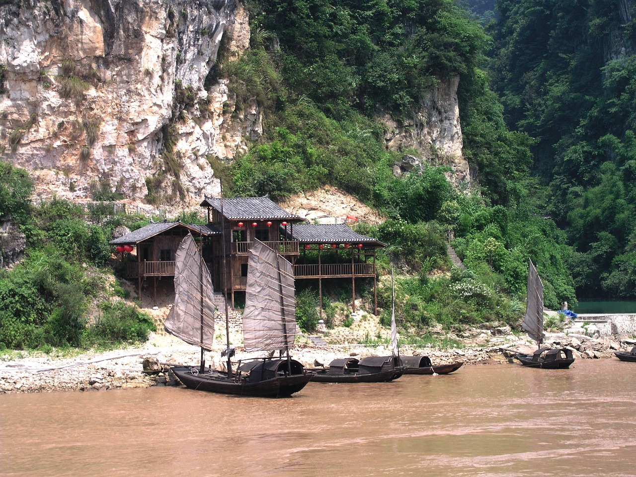 Riverside shrine on the three day Yangtze River cruise