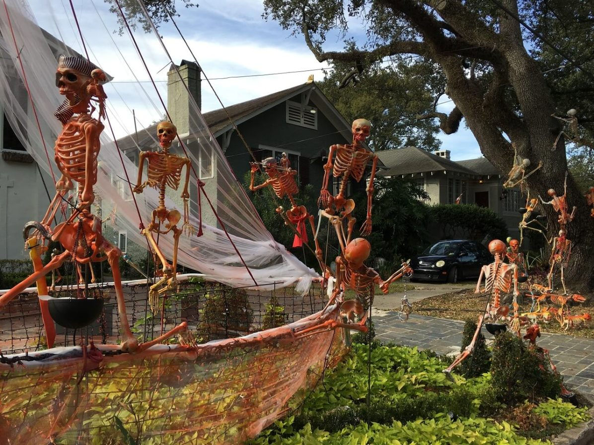 Skeleton decorations on a New Orleans lawn