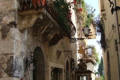 Taormina street