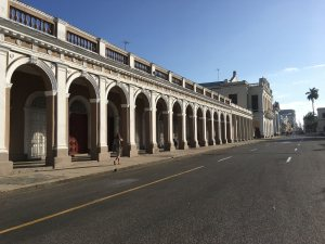 Arches in the plaza in Cienfuegos.