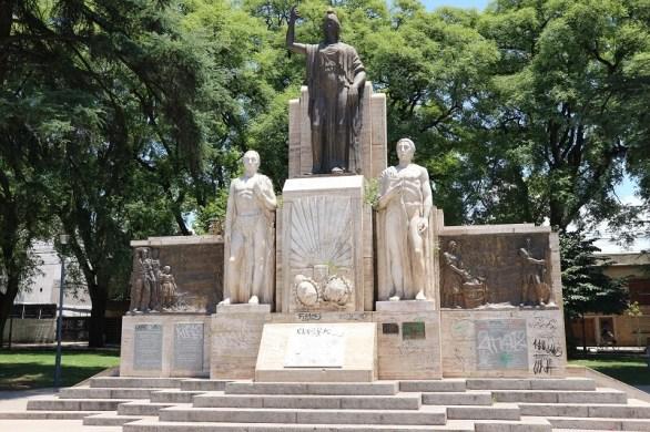 Mendoza fountain form Buenos Aires to Patagonia