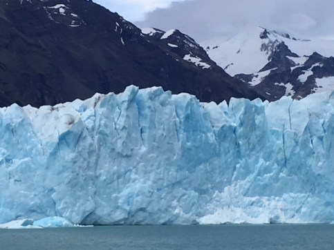 Perito Morreno glacier tours frontal view