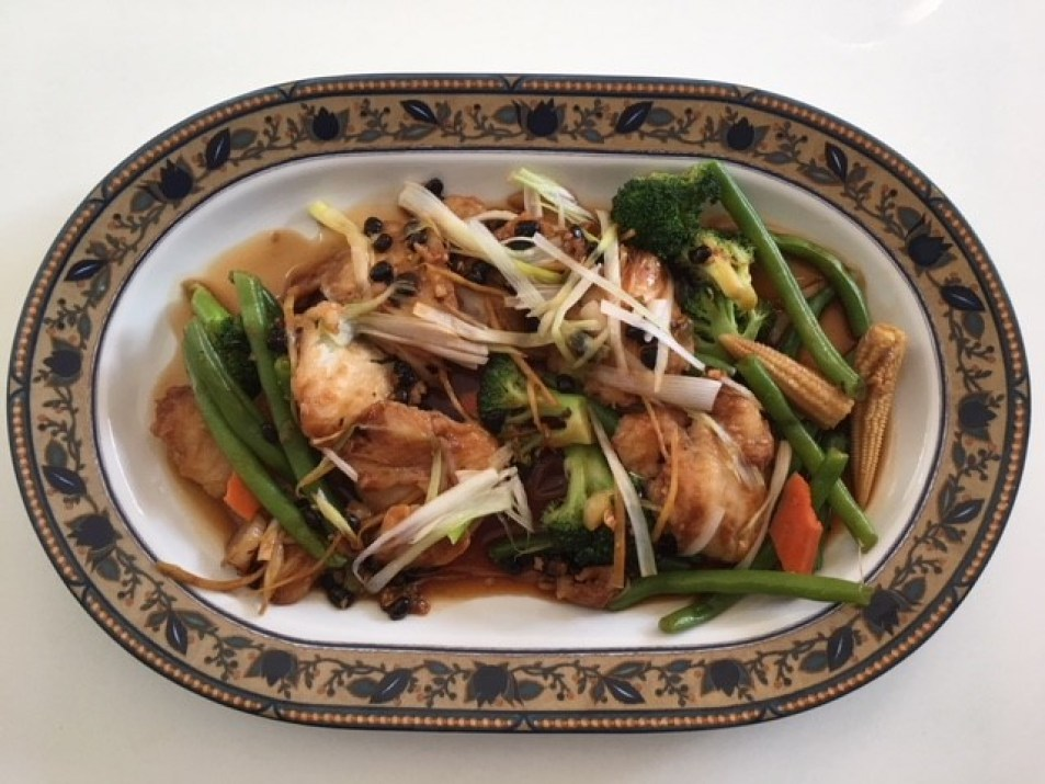 Authentic ethnic restauratns in New York City offer Zhejiang food.