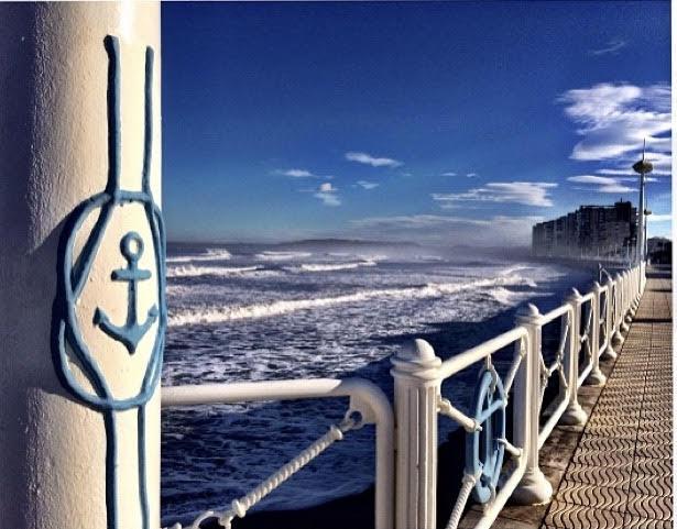 Gijon's seaside promenade