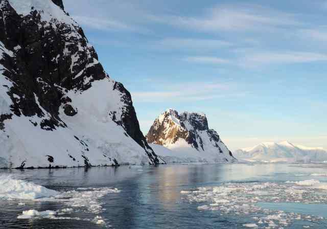 Antarctica, icebergs, lindblad