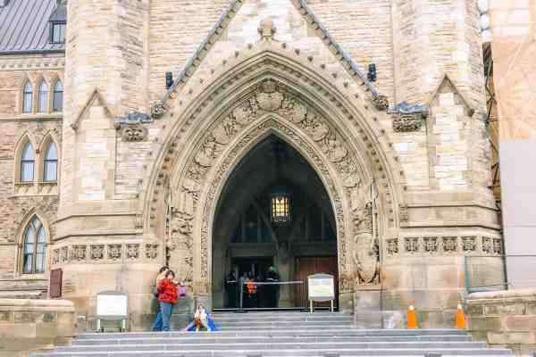 ottawa parliament 4-1095
