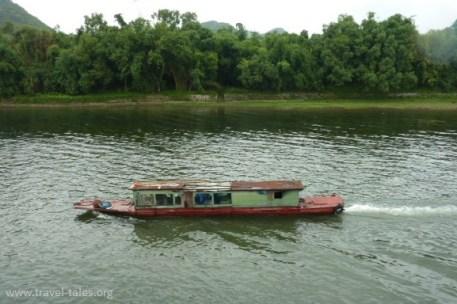 boats Guilin 37 cropped Li river cruise 6