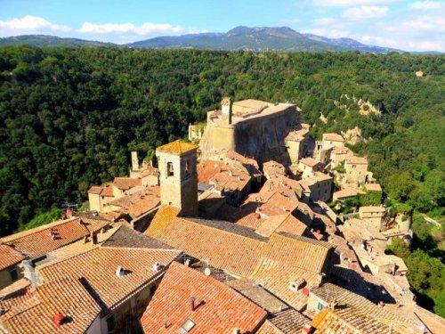 Best Italian Hill towns Sorano