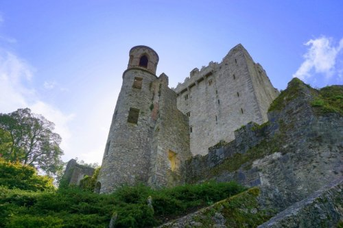 Blarney Stone kissing