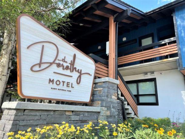 Dorothy Motel sign