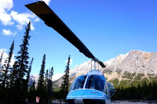 Helicopter tours in Alberta