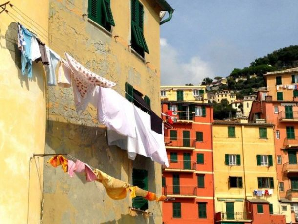 How to wash clothes while traveling