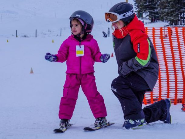 toddler skis with instructor Banff Alberta