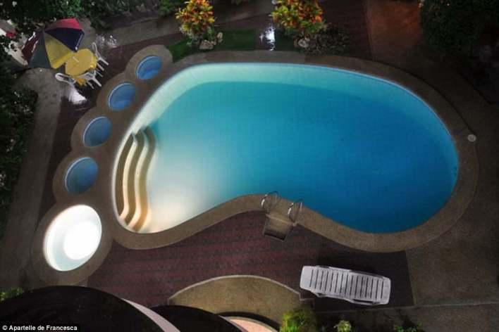 بالصور : حمامات السباحة الأكثر غرابة على مستوى العالم 2