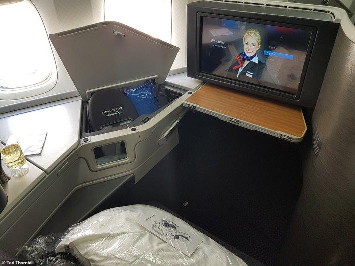 بالصور : مقصورة درجة رجال الاعمال في اكبر شركة طيران بالعالم 13