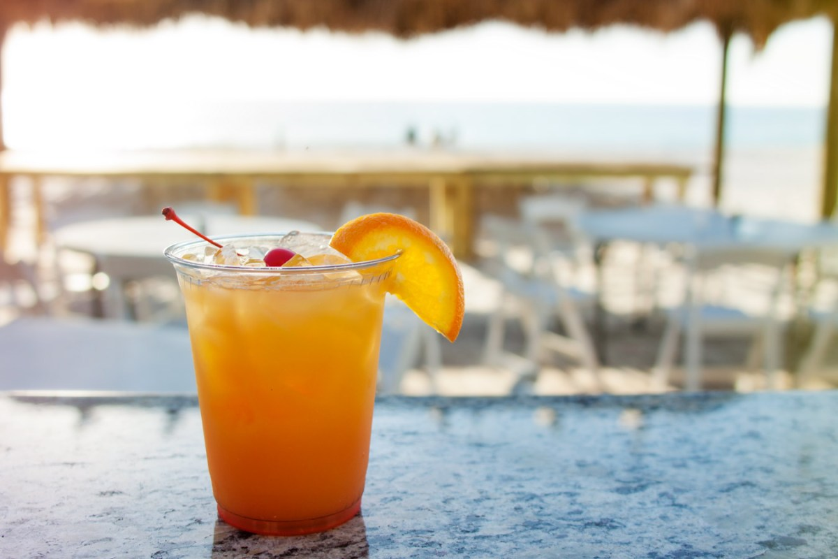 Cocktail Hopping on Anna Maria Island: Where to Go