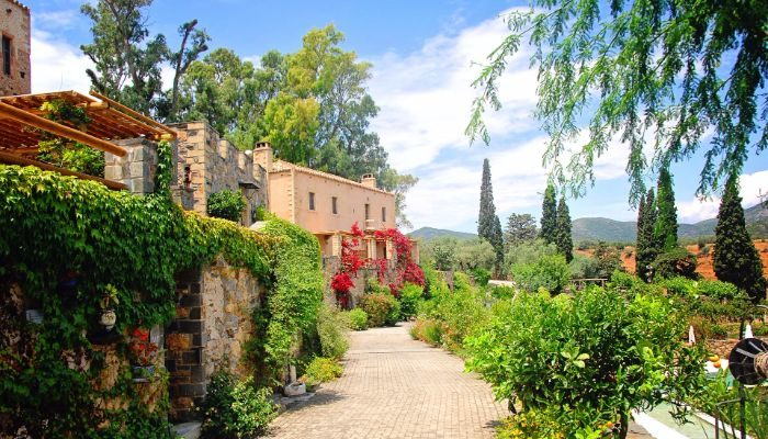 earn airmiles on luxury hotels in Greece