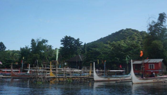 Taal boat docks