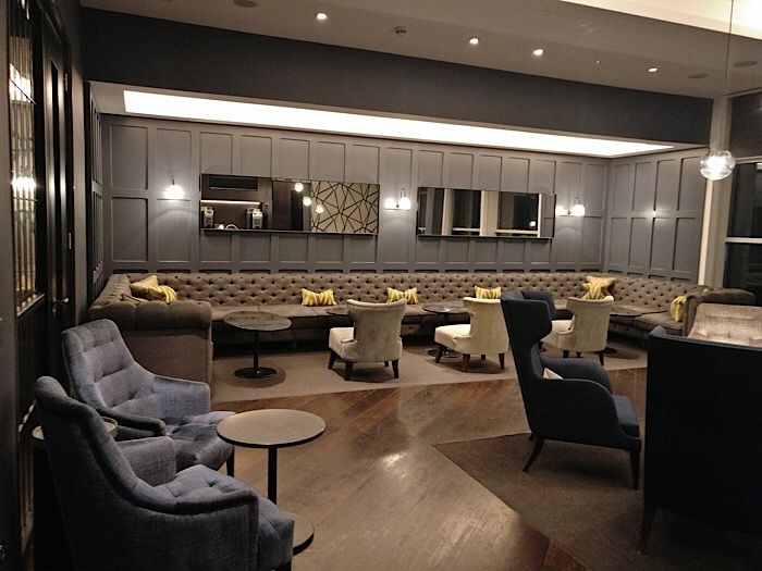No 1 traveller airport lounge at gatwick airport