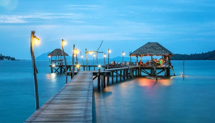 deck out to gazebo in Cancun