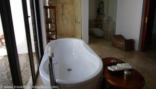 Residence Zanzibar bathroom