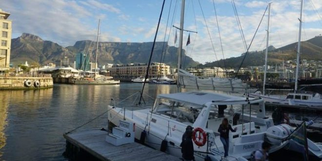 Table Mountain from the catamaran