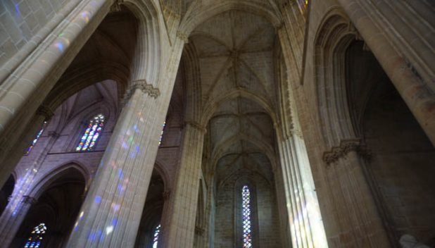 Monastery of Batalha interior columns