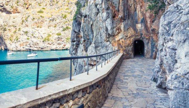 Mountainside walk Mallorca