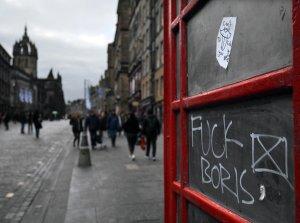 Regno Unito: le dure critiche a Boris Johnson dagli scienziati inglesi