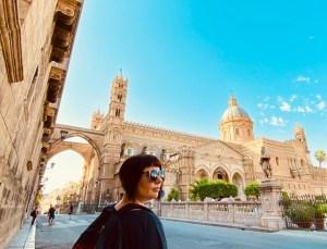 marzia traveltherapists davanti cattedrale di palermo estate 2020