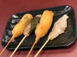 Kushikatsu cibo osaka cotoletta