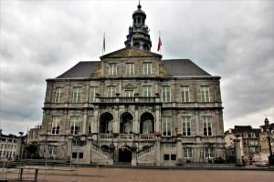 city hall traveltherapists maastricht